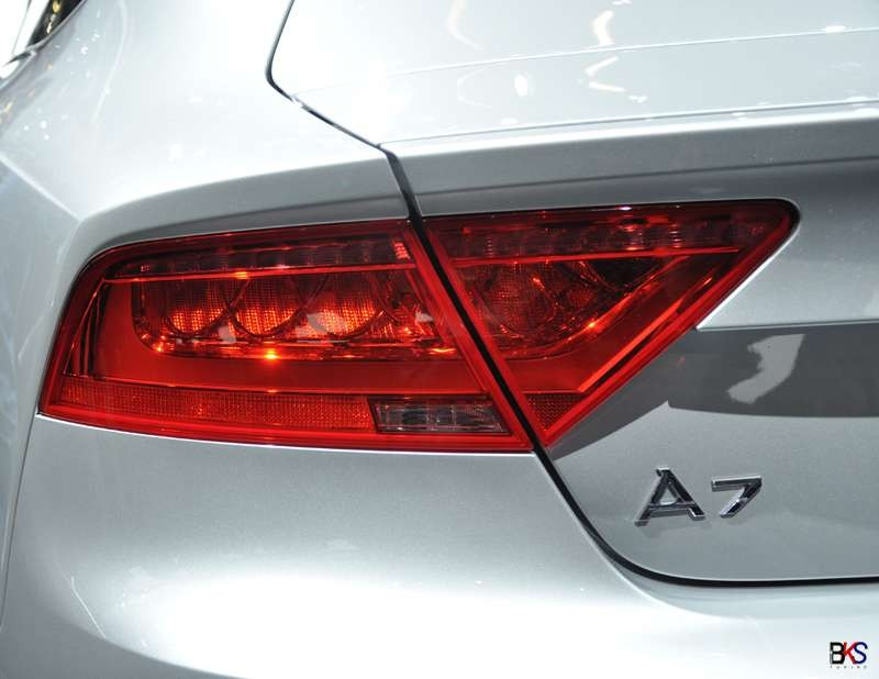 OEM Audi A7/S7/RS7 red taillights